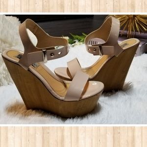 Steve Madden Nude/Wood Wedges
